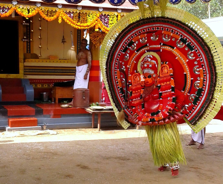 Adukkath chamundi, Kalarikkal Mulavannoor Bhagavathi Kshethram, Ravaneshwaram