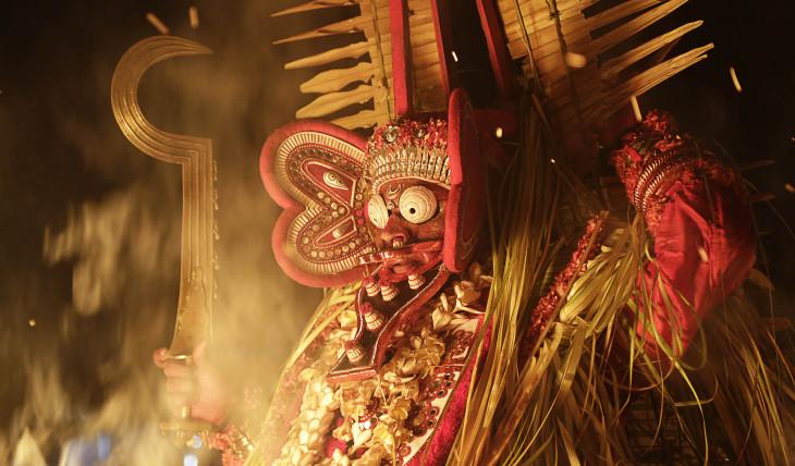 Kanda Karnan Fire Theyyam