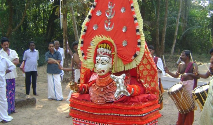 elladathu_bhagavathy_theyyam