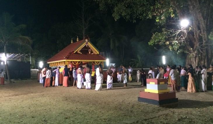 Azhikode sree arayambrath kottam vettakorumakan temple
