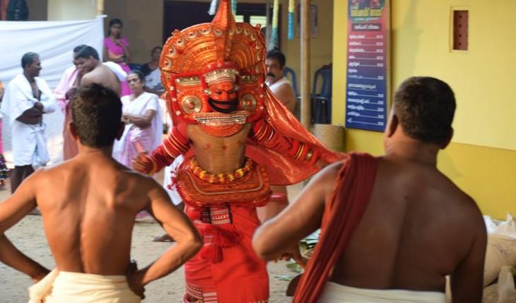 achan theyyam
