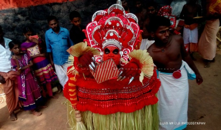 aalakkunnu chamundi, pothukundu veera bhadra kshethram