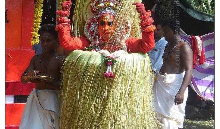 Achimelolamma Theyyam kallanchra achimelolamma devasthanam (3)
